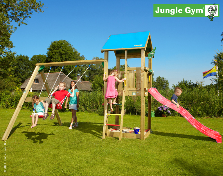 jungle gym kiras castle spielturm set mit schaukel. Black Bedroom Furniture Sets. Home Design Ideas